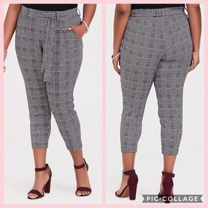 TORRID •Houndstooth Cigarette Crop Pants